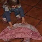 zakładanie kurtki