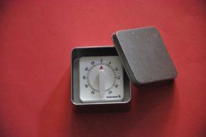 minutnik w pudełku
