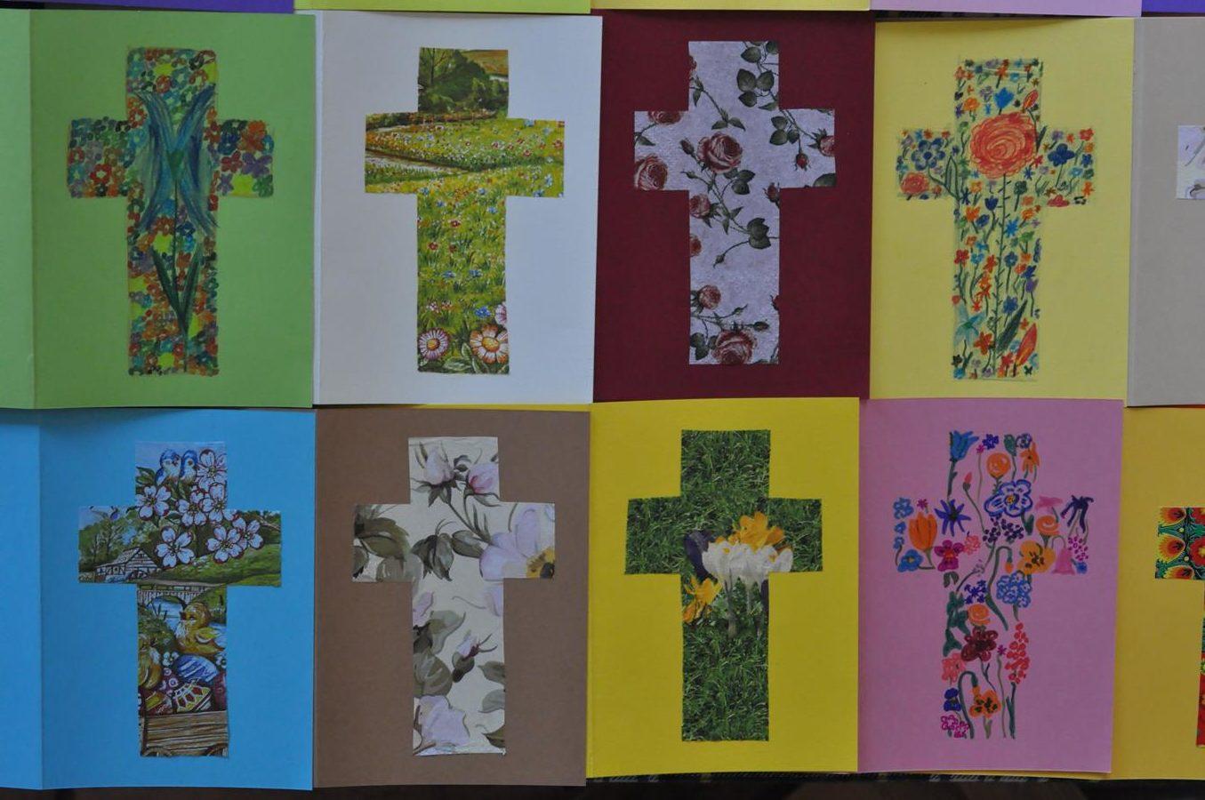 Wielkanocne kwiatowe krzyże