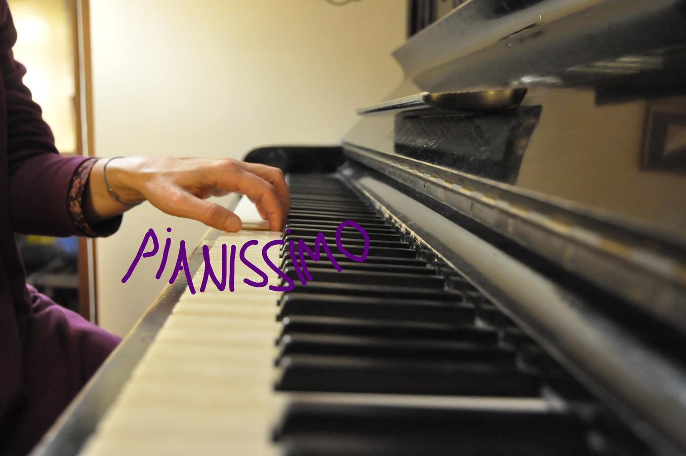 Skradanie się na pianinie